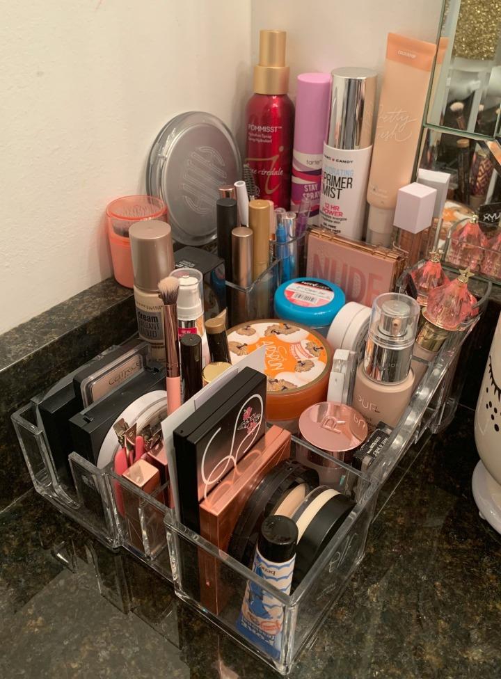 MakeupTray